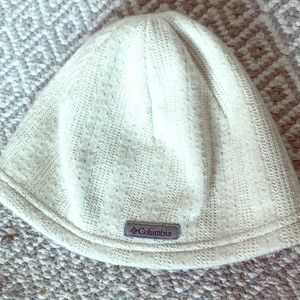 Columbia beanie color Ivory